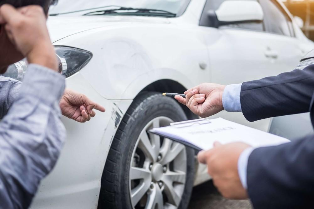 Bewertungskriterien-Auto-Gutachter-Ballin